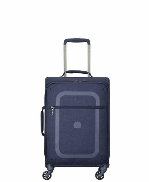 מזוודה הכי קלה בעולם דלסי דופין עליה למטוס כחול