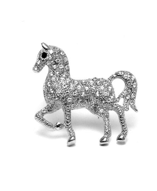 סיכה מעוצבת לבגד סוס